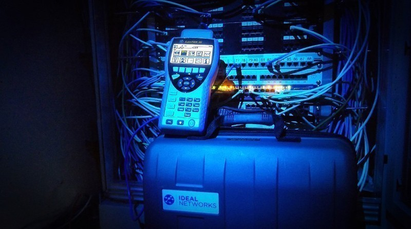 LanTEK® III data cable certifier